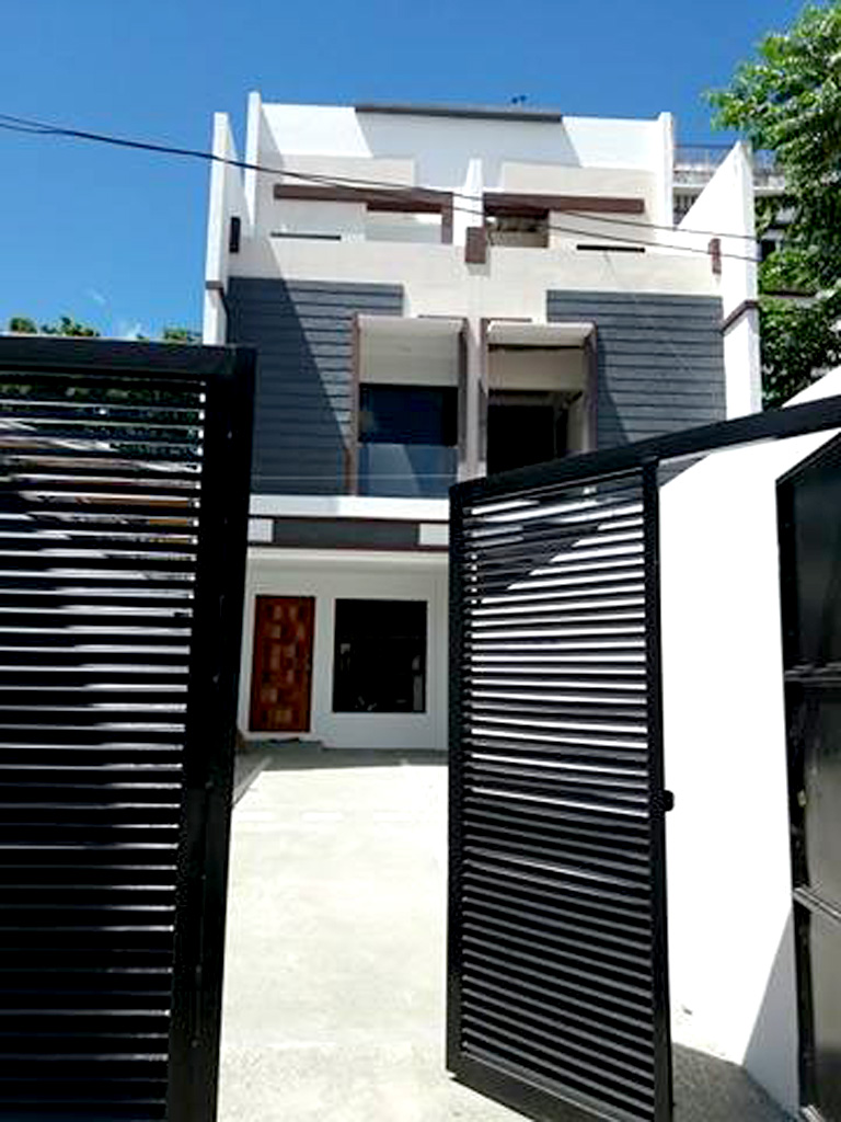Townhouse for sale in Tandang Sora Quezon City worth 8.5M