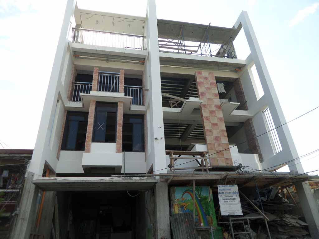12.9M Townhouse for sale in Roxas District QC