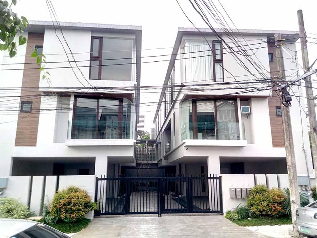 8 58m Townhouse For In Don Antonio Quezon City