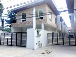 Townhouse for sale in West Fairview near Commonwealth Quezon City (2).jpg